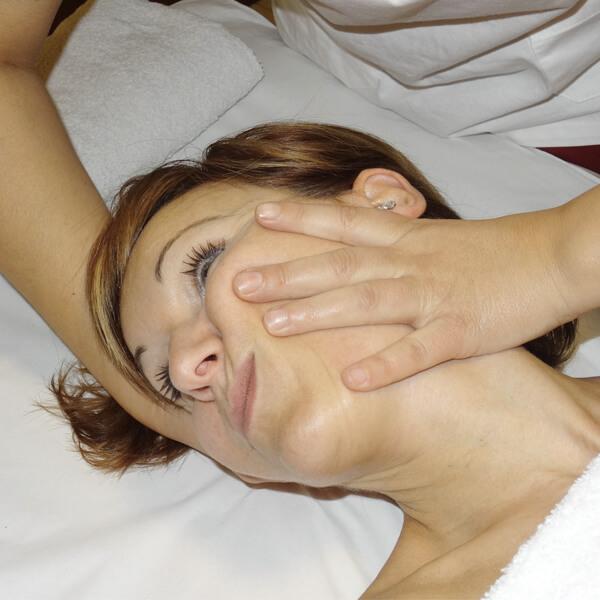 Osteopatía - masajes Ángela Cobos
